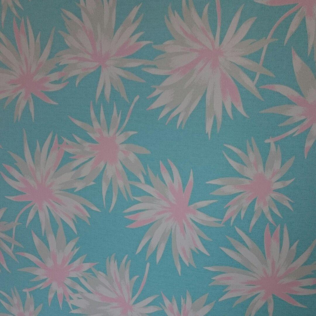 メルカリ 綺麗な花柄の壁紙 生地 糸 2 400 中古や未使用のフリマ