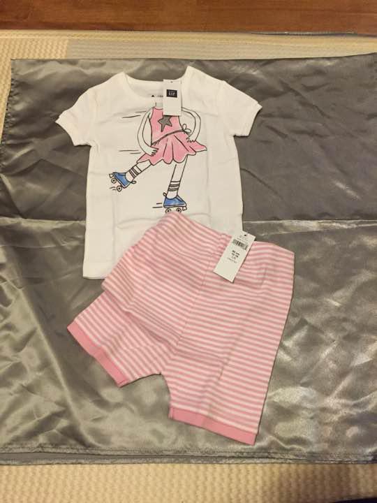 9f4a8d09945f8 メルカリ - 新品未使用 baby GAP 女の子用 上下セット80  ベビー服 ...