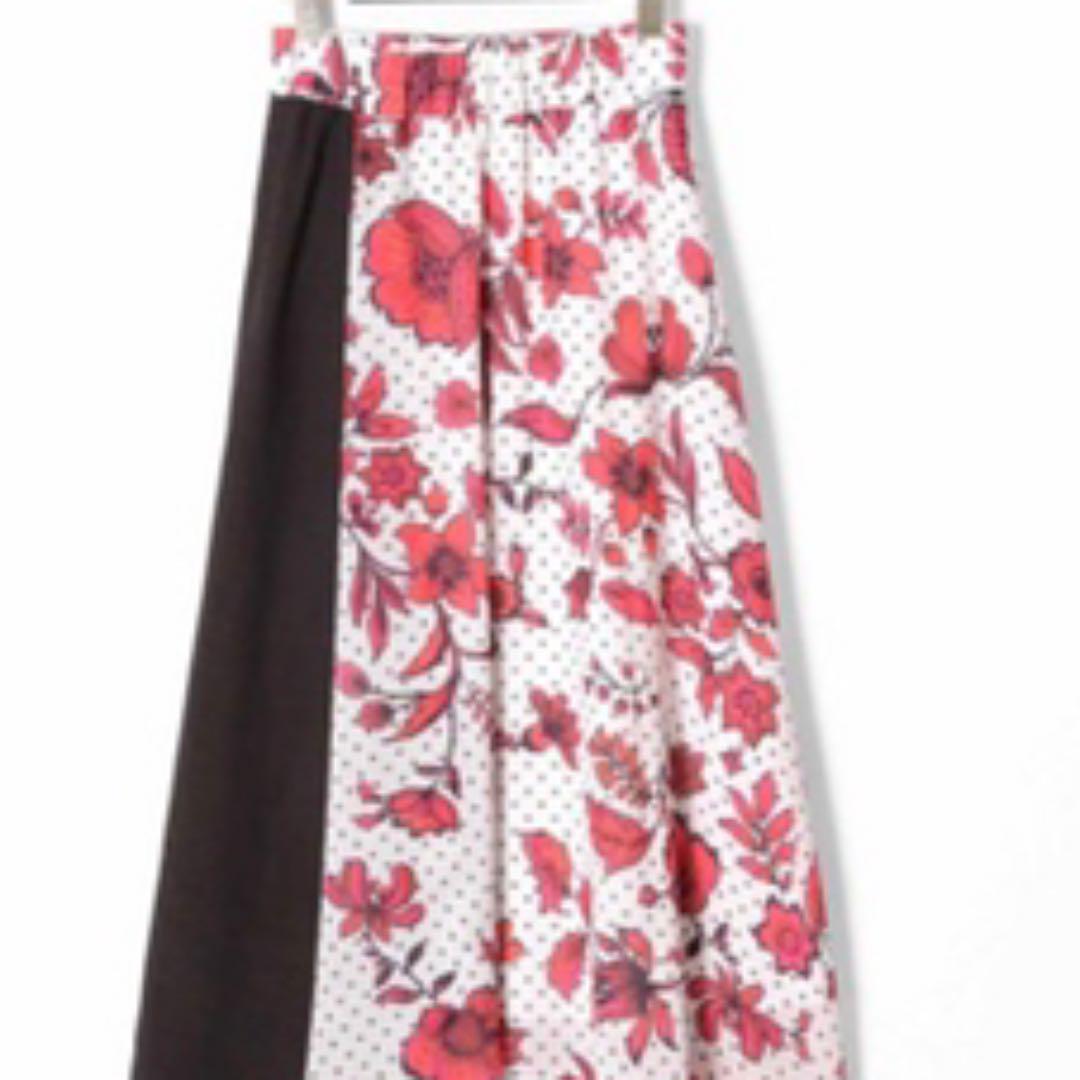 メルカリ ケイトリン グレースコンチネンタル 赤フラワースカート ロングワンピース 8 500 中古や未使用のフリマ