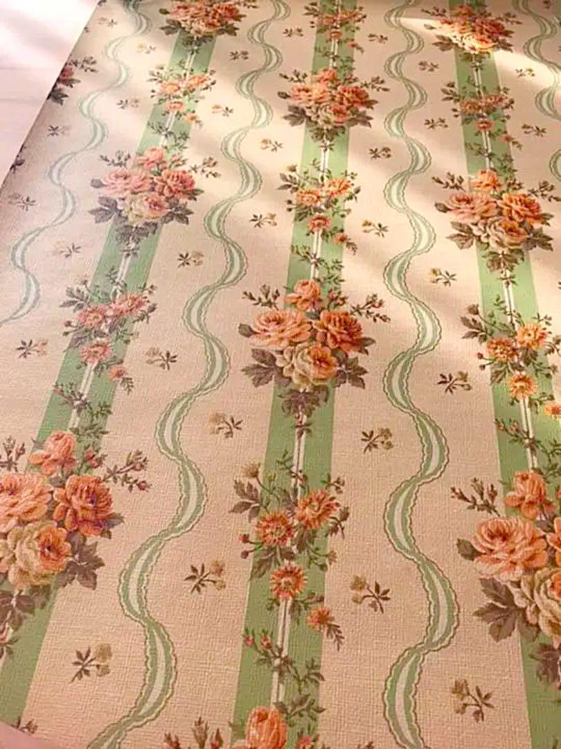 メルカリ ロココ調 花柄ストライプ アンティーク壁紙 クロス 新品 未使用 型紙 パターン 2 000 中古や未使用のフリマ