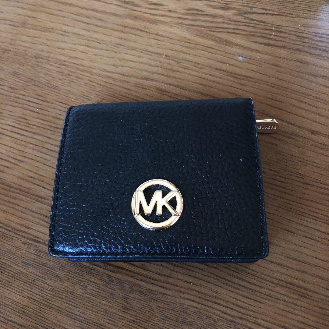 buy online f36ae e01d5 MICHAEL KORS(マイケルコース)の2つ折り財布 アウトレット(¥4,500) - メルカリ スマホでかんたん フリマアプリ