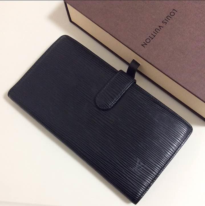 on sale afd76 0168d ルイヴィトン エピ 黒 レディース がま口 長財布 本物(¥16,000) - メルカリ スマホでかんたん フリマアプリ