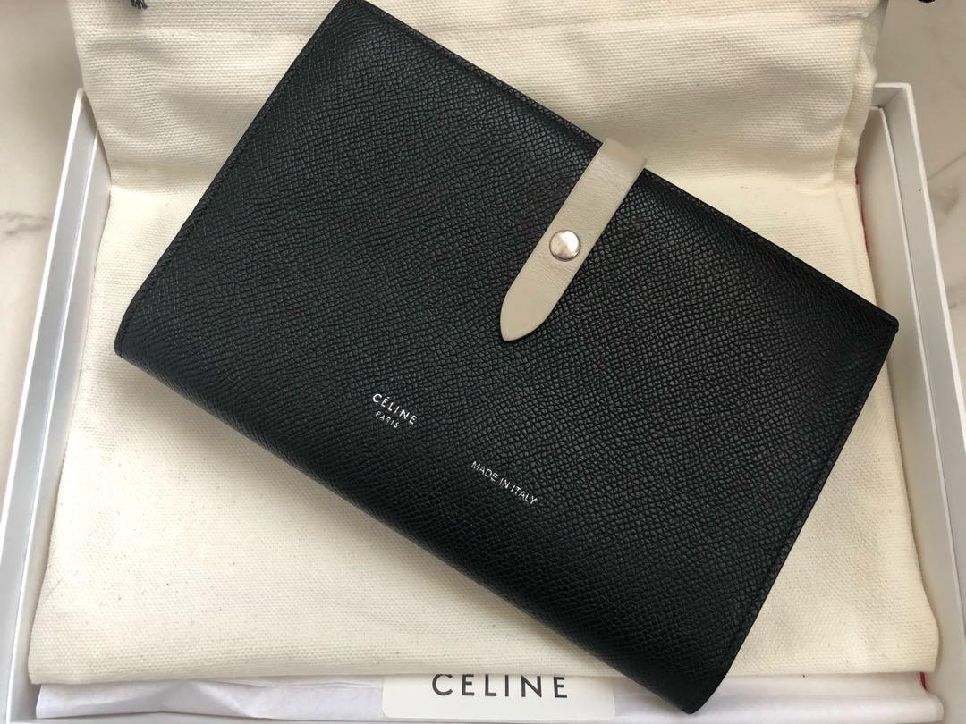 c6c136fa64b9 メルカリ - CELINE セリーヌ 財布 strap バイカラー 【長財布】 (¥36,500 ...