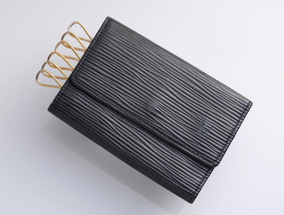 pretty nice 6c069 4014c H4852M 本物 SPAIN製 ヴィトン エピ 本革 6連 キーケース(¥ 12,300) - メルカリ スマホでかんたん フリマアプリ