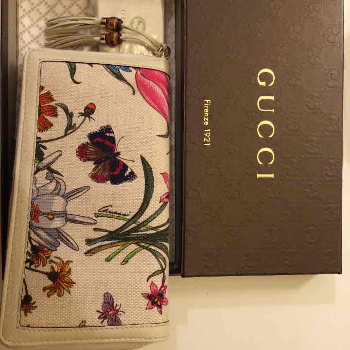 pretty nice d9209 e13f0 GUCCI グッチ フローラ 長財布 ホワイト 50周年記念 レア(¥35,000) - メルカリ スマホでかんたん フリマアプリ