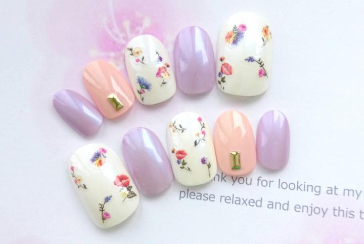 秋におすすめ♡小花柄と淡いピンクと紫のネイルチップ♡674(¥1,390) , メルカリ スマホでかんたん フリマアプリ