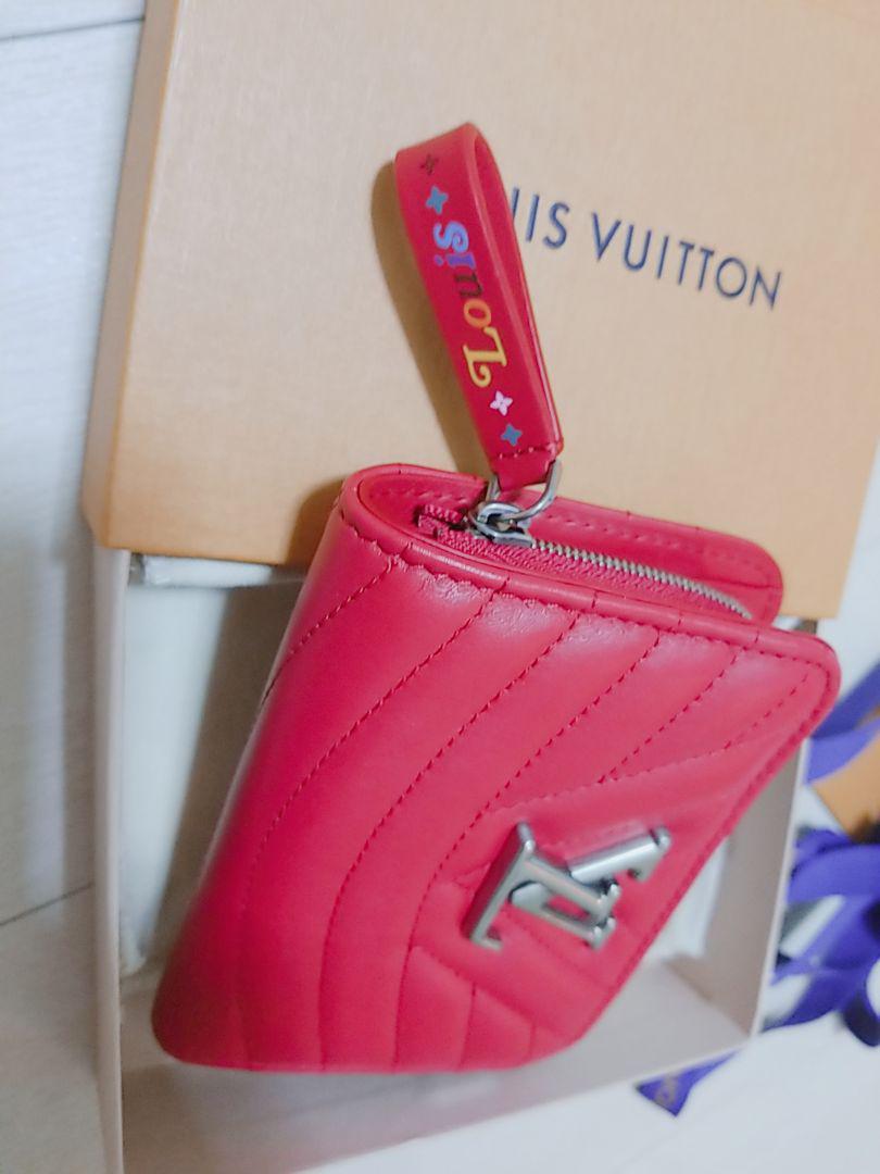 buy popular c4244 00b48 LV♡ルイヴィトン♡新作!!ニューウェーブ♡財布♡赤♡(¥56,000) - メルカリ スマホでかんたん フリマアプリ
