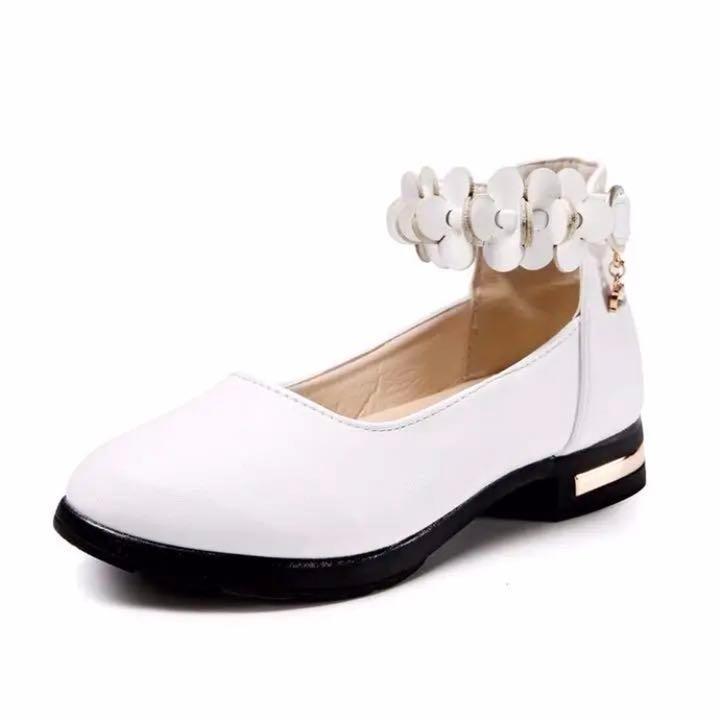 2f7ded086e141 メルカリ - 女の子 スムース 厚底クロスストラップパンプス  キッズ靴 ...