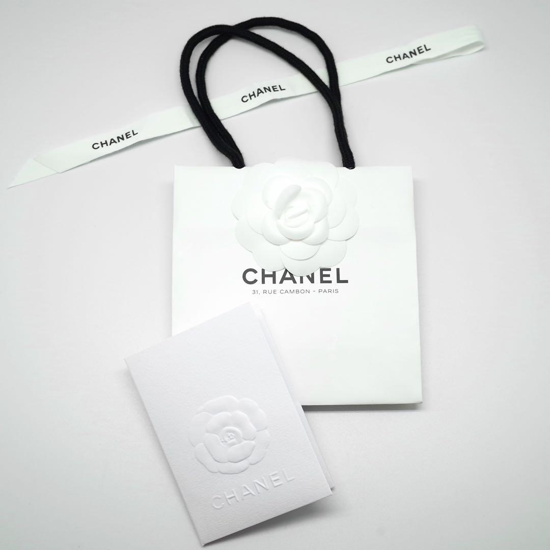 09fd5ac55c71 メルカリ - シャネル パリ本店限定 カメリア付きショッパー&カード ...
