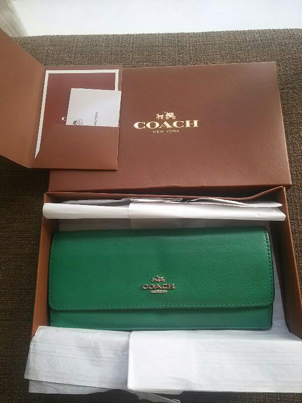 new product 8375e ae0e9 COACH 長財布 金運UPの緑の財布(¥3,500) - メルカリ スマホでかんたん フリマアプリ