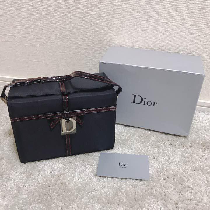 wholesale dealer 9a7ca d7fe9 新品・訳あり Dior メイクボックス(¥4,000) - メルカリ スマホでかんたん フリマアプリ