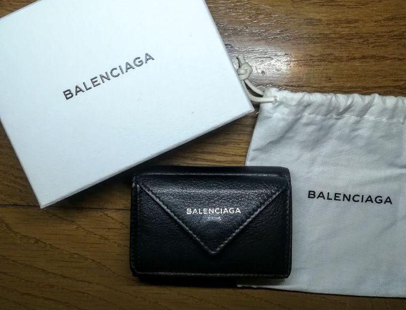 on sale d0fbb 84746 バレンシアガ ペーパーミニウォレット 黒 ブラック 旧ロゴ BALENCIAGA(¥27,700) - メルカリ スマホでかんたん フリマアプリ