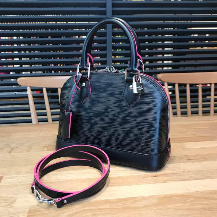 8668e7216fef メルカリ - たま様の 新品同様 ルイヴィトン エピ アルマBB 黒 ピンク ...