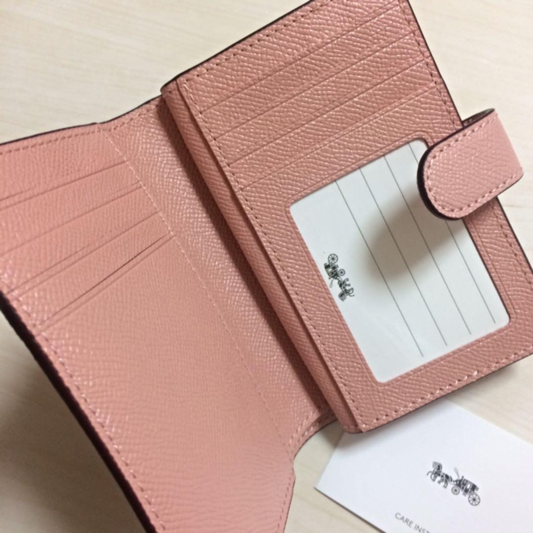 newest 62368 2517a 【新品 未使用】COACH コーチ 財布 二つ折財布 ピンク ペタル(¥12,210) - メルカリ スマホでかんたん フリマアプリ