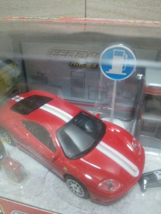 Mint Burago 1  43 Ferrari Challenge Road  2018 dernier