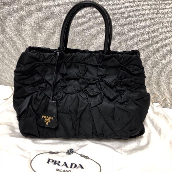 cafa08381547 メルカリ - PRADA フリル ギャザー バッグ ゴールド金具 【トートバッグ ...