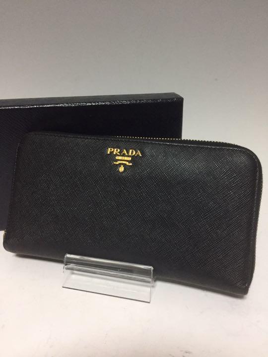 0ba749e35aa7 メルカリ - PRADA 黒 メタル ジッピーウォレット サフィアーノ 長財布 ...