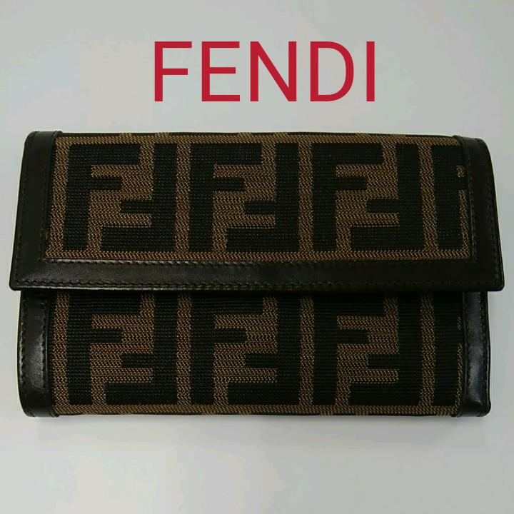 AM10 フェンディ 美品 ズッカ 三つ折り財布 パスケースあり