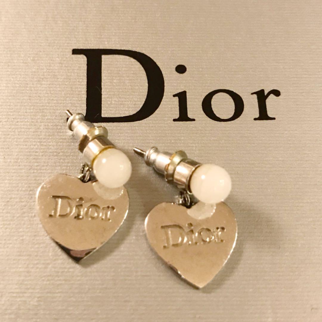 pretty nice 038a0 38fee Dior ハート パール ピアス(¥2,700) - メルカリ スマホでかんたん フリマアプリ