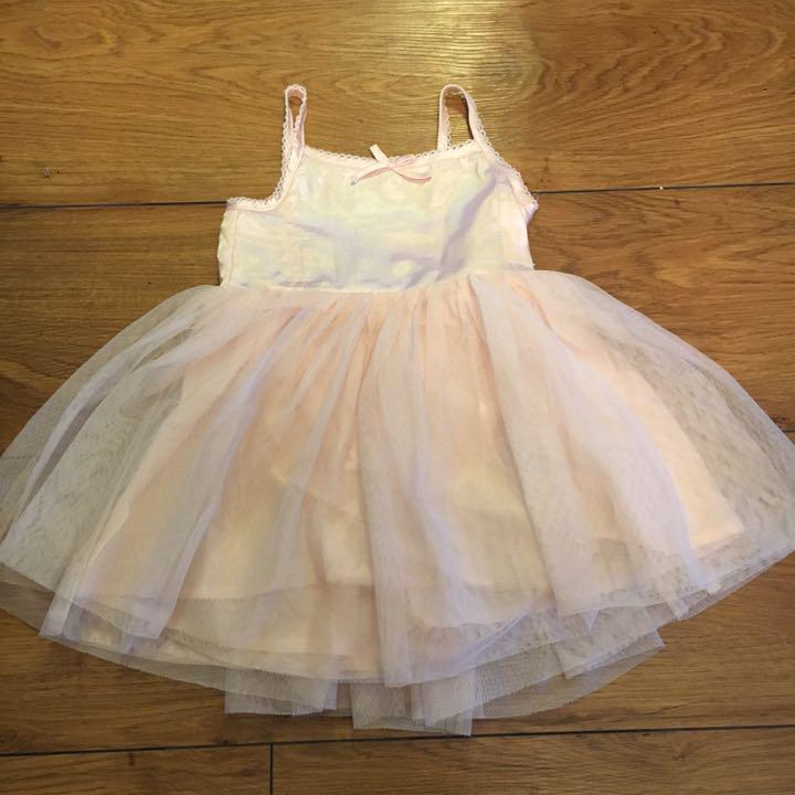 eee05377799477 メルカリ - ワンピース チュールスカート キャミドレス babygap 【ベビー ...