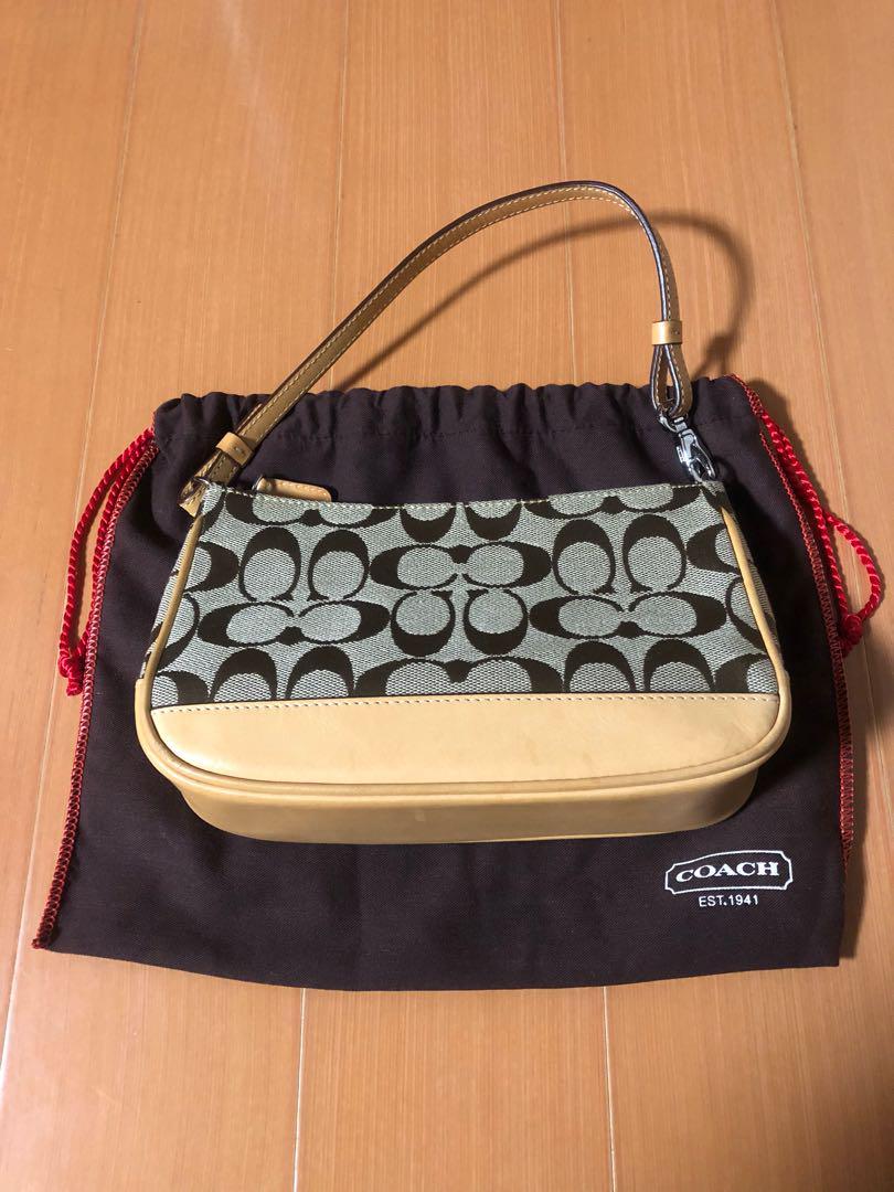 5d1d70d3e1ab メルカリ - COACH コーチ シグネチャー ハンドポーチ バッグ 【ポーチ ...