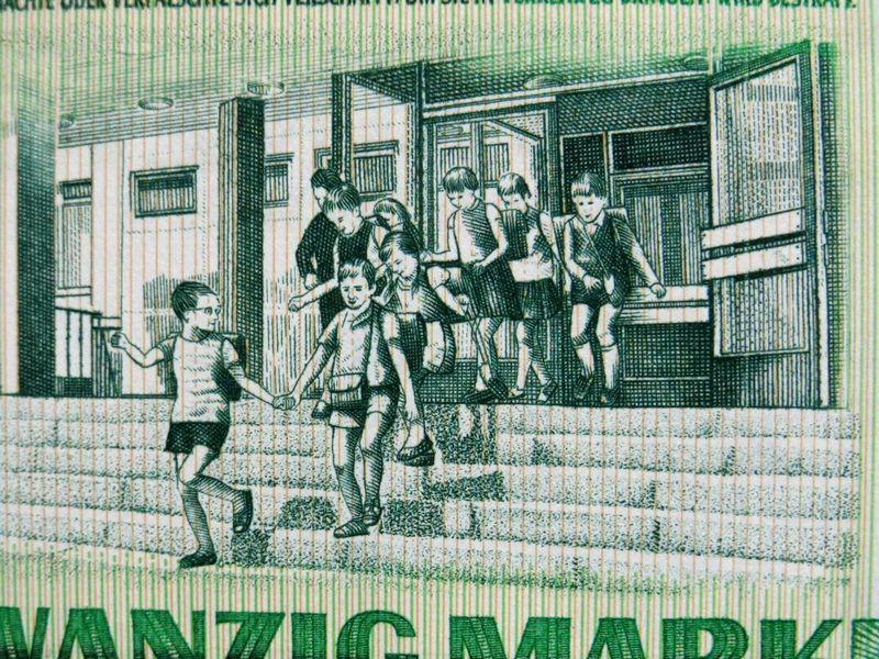 メルカリ - 【フリーメイソン】ドイツ民主共和国紙幣 20マルク 1975年 ...