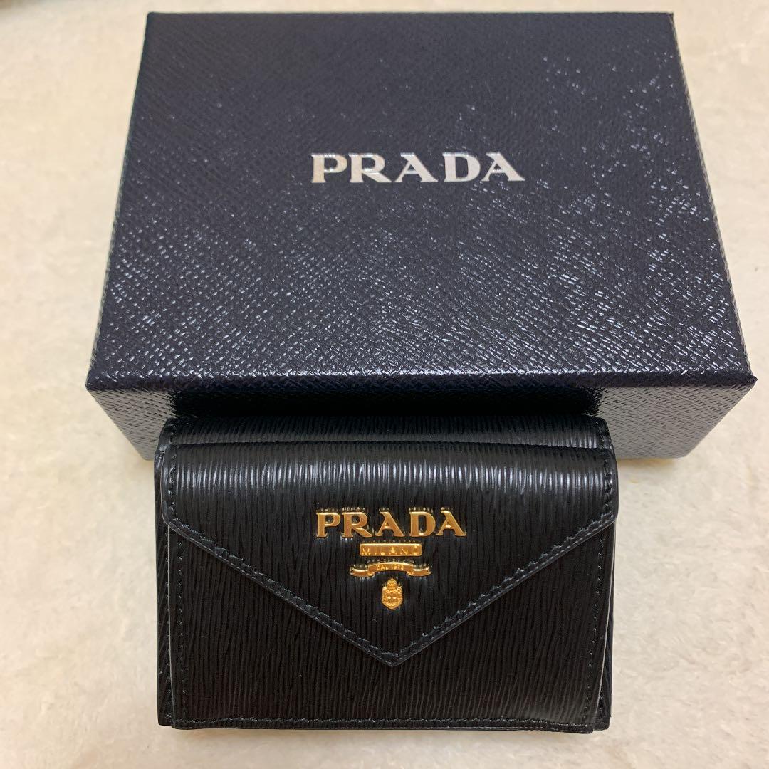 on sale 00706 e8718 PRADA プラダ 三つ折り財布(¥27,000) - メルカリ スマホでかんたん フリマアプリ