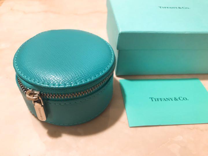 new product 35164 00fb9 新品 ティファニー Tiffany ラウンド トラベル アクセサリーケース(¥19,399) - メルカリ スマホでかんたん フリマアプリ
