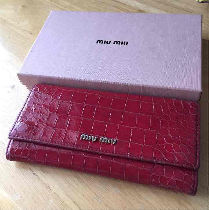 new product bc841 a9333 miumiu 赤 財布 クロコ お値下げ♫ 最終(¥3,300) - メルカリ スマホでかんたん フリマアプリ