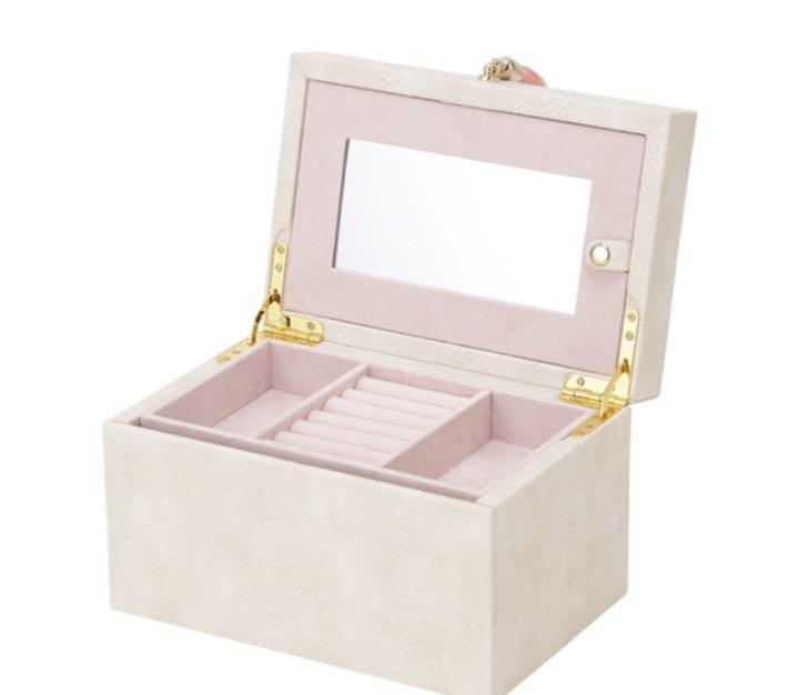 最終値下げアクセサリーボックス ジュエリー フランフラン ブラビア(¥4,000) , メルカリ スマホでかんたん フリマアプリ