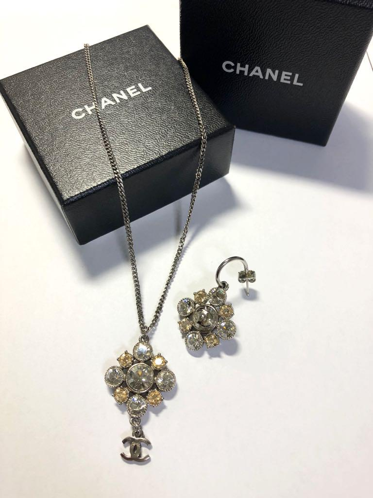 7858061dfd2d メルカリ - 百貨店で購入 CHANEL シャネル ネックレス&ピアス 片耳 ...