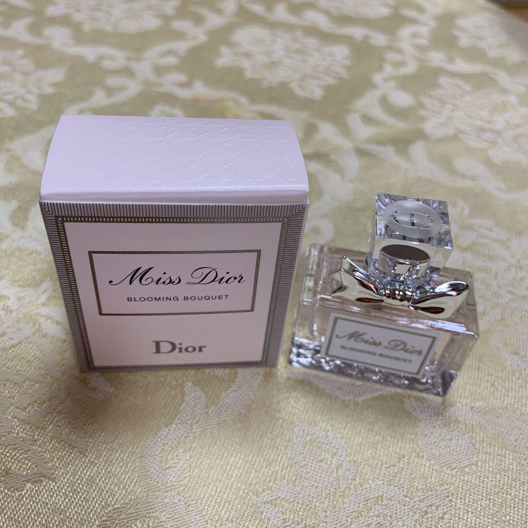 wholesale dealer 3e530 d786f Dior ミスディオール 香水 ミニ ブルーミングブーケ(¥1,800) - メルカリ スマホでかんたん フリマアプリ