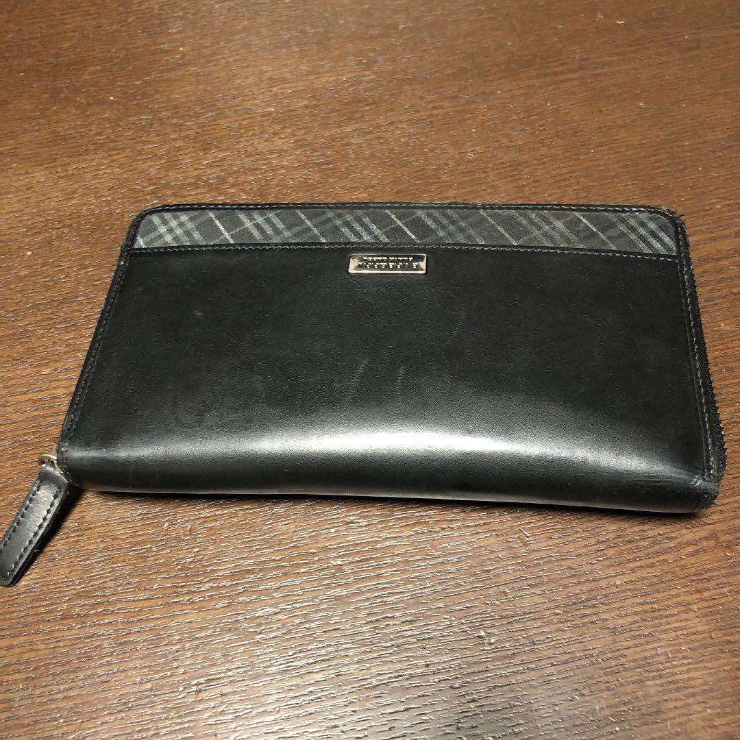 new style 9df41 dc95d バーバリーブラックレーベル 長財布 ラウンドファスナー(値下げしました)(¥2,700) - メルカリ スマホでかんたん フリマアプリ