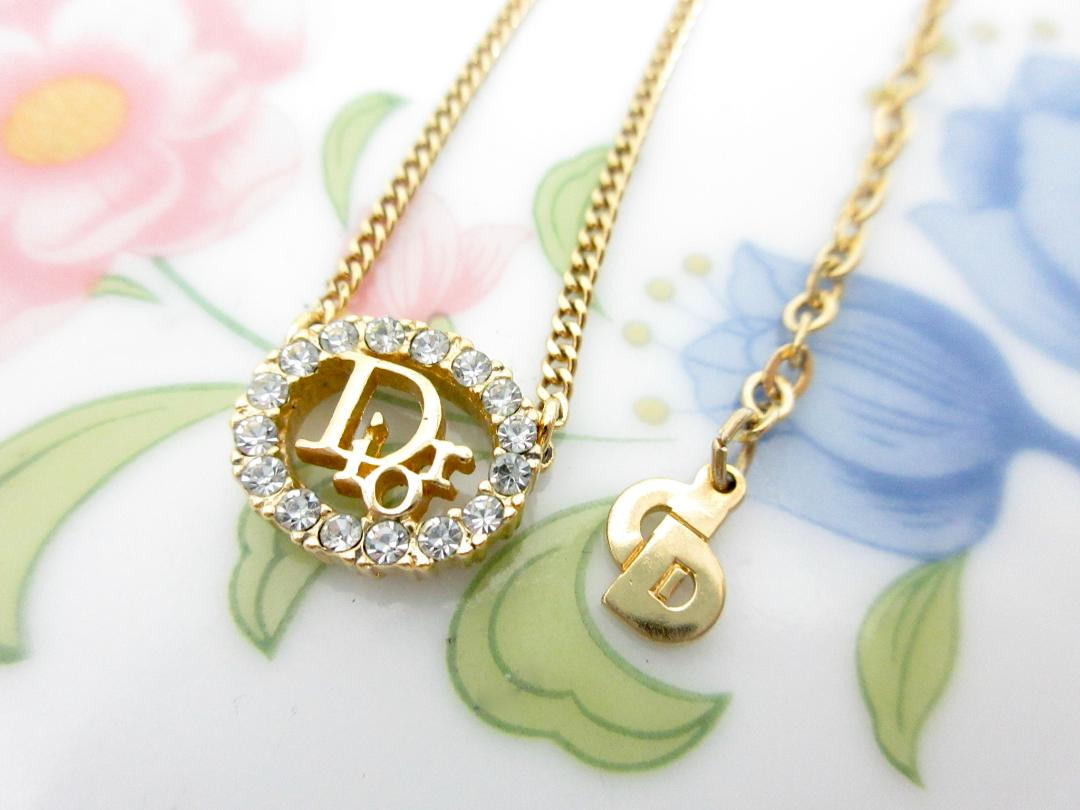 buy cheap d0cfd 3009d Dior ディオール ネックレス ペンダント イエローゴールド ロゴ 極美品(¥7,890) - メルカリ スマホでかんたん フリマアプリ
