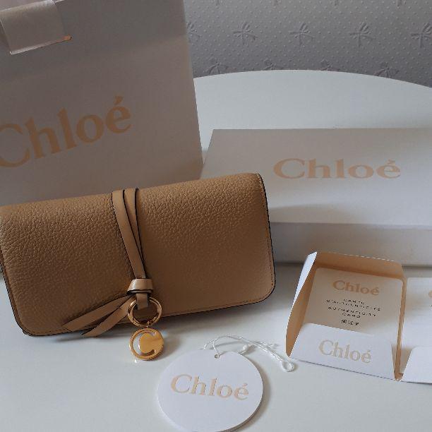 online store 37d99 d374c Chloe♥アルファベットイニシャルウォレット、長財布(¥30,000) - メルカリ スマホでかんたん フリマアプリ