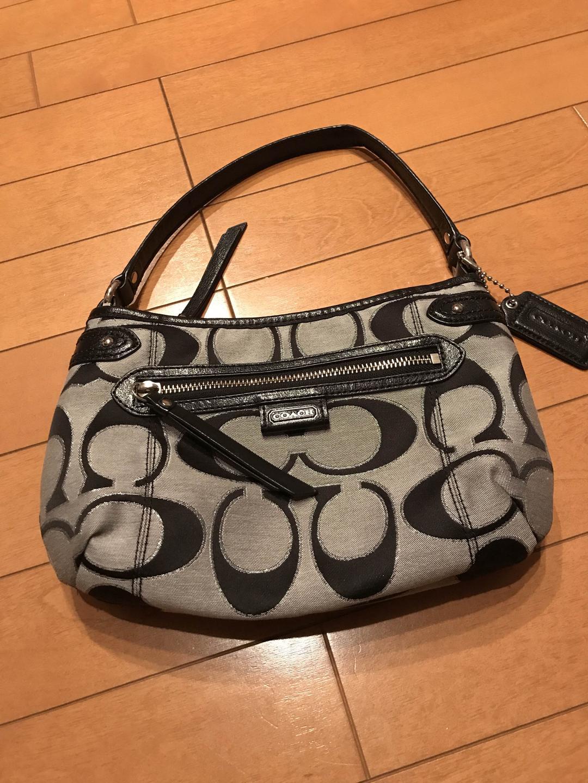 9b8f587bfa6d メルカリ - 【COACH】コーチシグネチャー・グレー×黒のバッグ・美品 ...