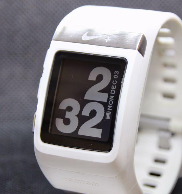c32035b536 メルカリ - Nike スポーツウォッチ GPS (フットセンサー付き) 【腕時計 ...