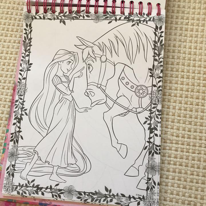 メルカリ プリンセス 塗り絵 迷路 ノート 色鉛筆 キャラクターグッズ