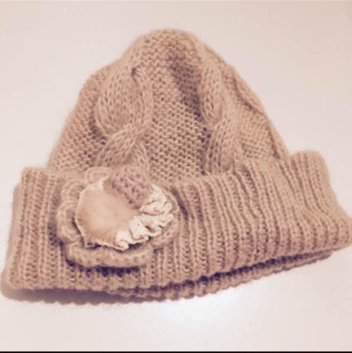1963c80856f83 メルカリ - 子供用 ニット帽 花付き 【帽子】 (¥700) 中古や未使用のフリマ