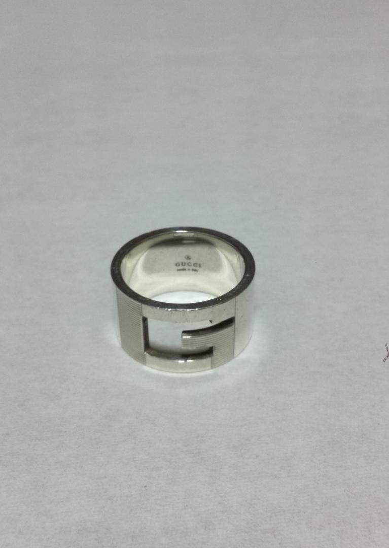 sale retailer 860a0 2243e GUCCI シルバーリング 18号 指輪(¥8,000) - メルカリ スマホでかんたん フリマアプリ