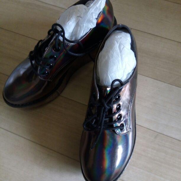 激安❢新品❢渋谷109で大人気ファッションメーカーulula玉虫色シューズM(¥2,975) , メルカリ スマホでかんたん フリマアプリ