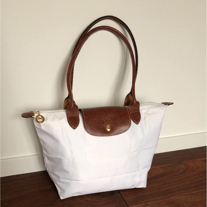 pretty nice eb718 532a5 未使用 P様専用 ロンシャン Longchamp トートバッグ 白×茶(¥6,600) - メルカリ スマホでかんたん フリマアプリ