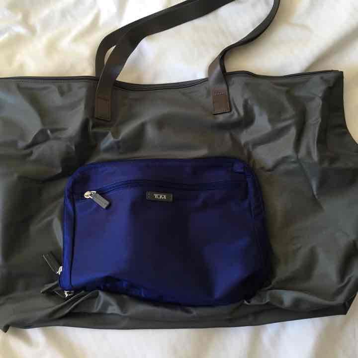 cb453a937d メルカリ - Tumi 折りたたみ トートバッグ 新品 (¥5,500) 中古や未使用の ...