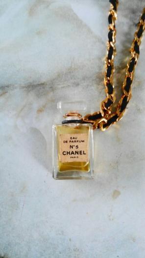 190ee69f74de シャネル 香水 ネックレス商品一覧 (5 ページ目) - メルカリ スマホで ...