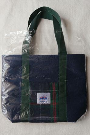 afbb298d047b9 池田泉州銀行 フェルト素材タータンチェックのトートバッグ ファミリア